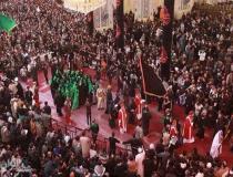 حضور و گریه اسقف مسیحیان عراق در حرم امام حسین (ع) در مراسم اربعین